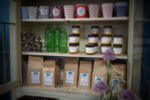 Genuss Kaffee aus Schöllkrippen im neuen Blütensprache Geschäft in Münster (Hessen)