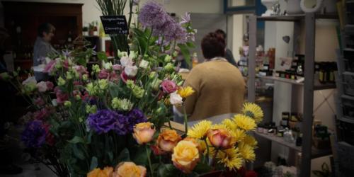 Die Blütensprache der Blumen im neuen Geschäft in Münster (Hessen)